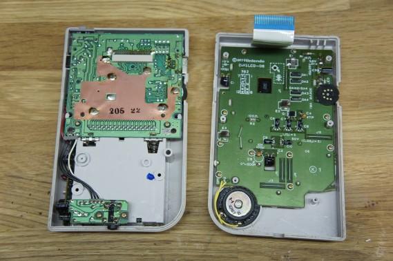 Taking apart the Gameboy DMG-01.